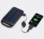 138_iPad/iPhone ソーラー充電器(LEDライト機能・4000mAH) 700-BTS006